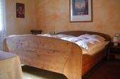 Schlafzimmer - Ferienwohnung für Paare - Bilder-Galerie - Bildergalerie: Ferienwohnung für Paare - Haus Mandorla - Ferienheim und Gästehaus