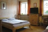 Zimmer Erdgeschoss (frz. Bett 140 x 200 cm) rollstuhlgängig - Gästehaus - Gästehaus - Bildergalerie: Gästehaus - Haus Mandorla - Ferienheim und Gästehaus